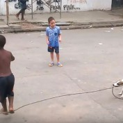When This Dog Grabbed The Rope, The Kids Had No Idea This Would Happen