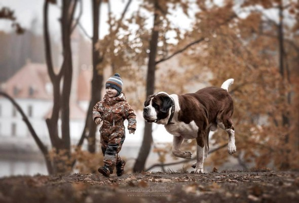 03-little-kids-and-their-big-dogs