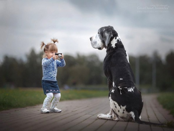 31-little-kids-and-their-big-dogs