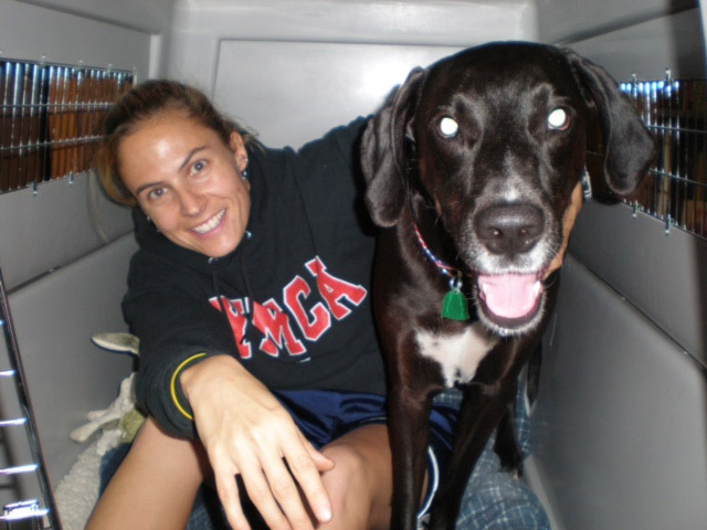 Heartbroken Woman Writes Touching, Yet Funny Obituary For Her Beloved Best Friend
