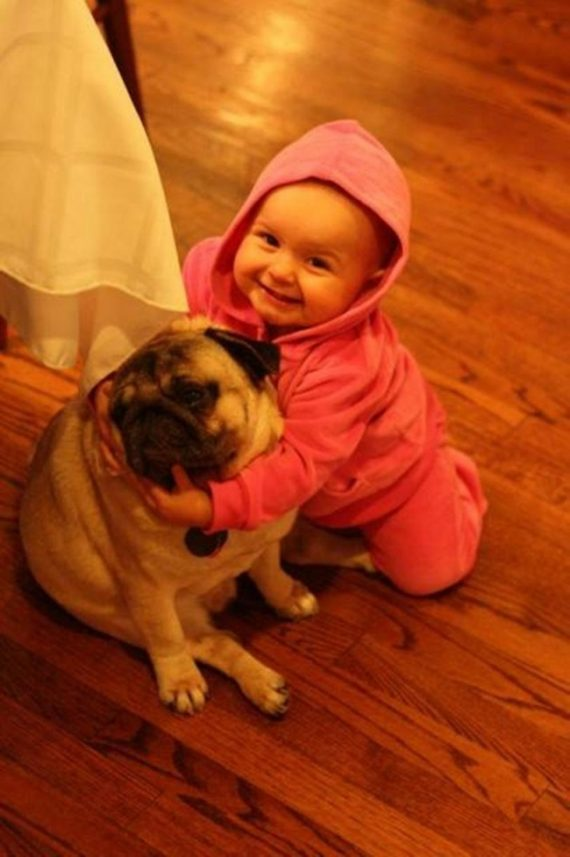 These 25 pictures show why every child should have a pet
