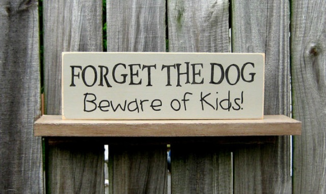 Hilariously Clever And Unique 'Beware Of Dog' Signs